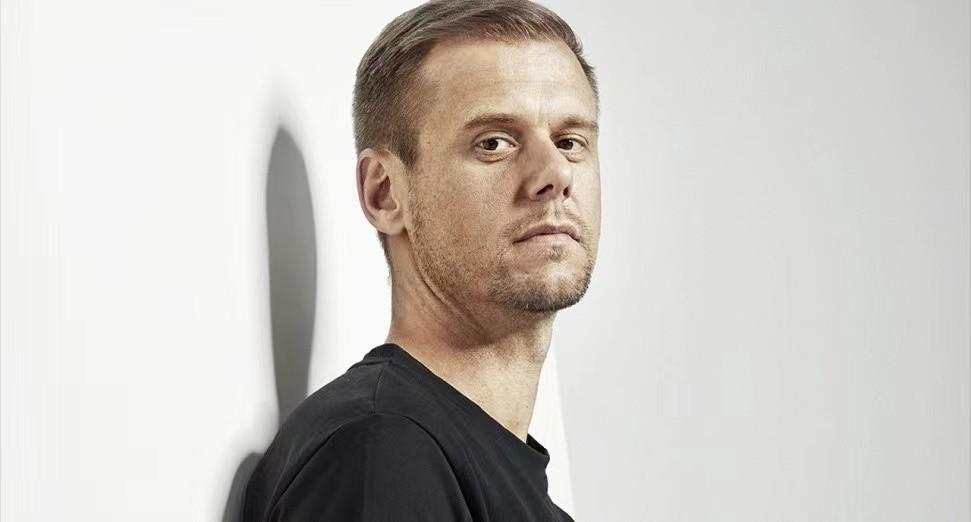 Armin van Buuren与Maor Levi联手发布Divino