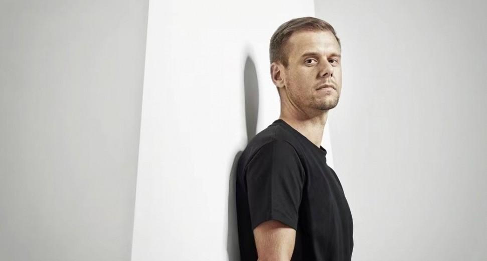 Armin van Buuren发布A State Of Trance 2021混音专辑