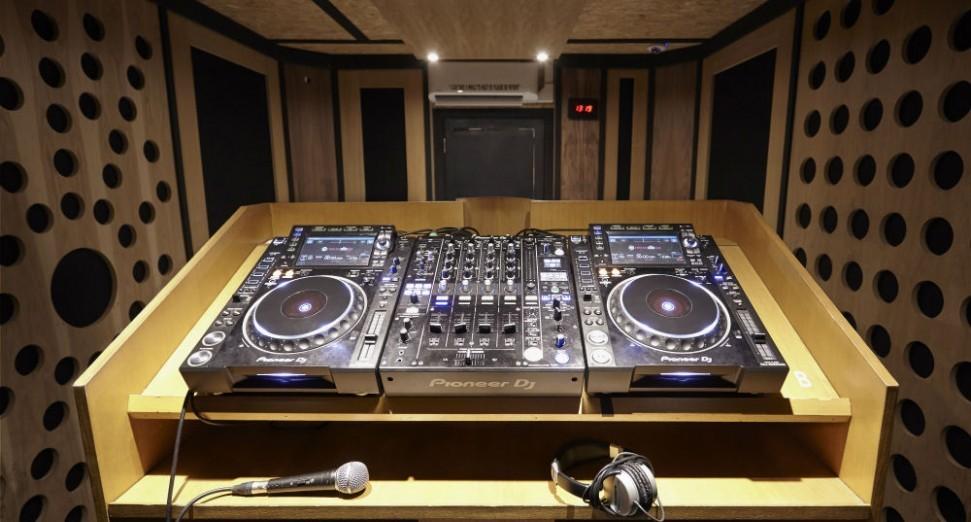 超过200位DJ尝试创下 B2B SET时间最长的世界纪录