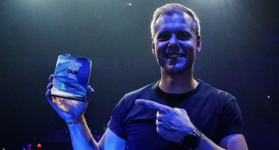 ARMIN VAN BUUREN在DJ MAG TOP 100 DJS排行榜前5名中庆祝其入选20周年